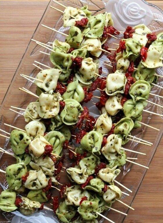 2. Маленькие пельмешки и вяленые томаты Закуски, быстро и вкусно, еда, красиво, рецепты, снэк, фото