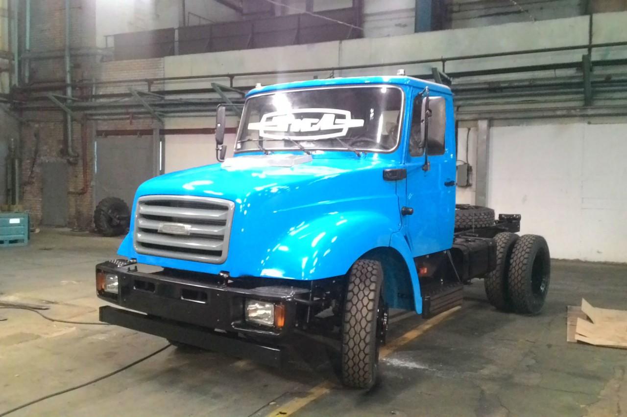 На заводе ЗИЛ был выпущен последний грузовик -  пока дружище!