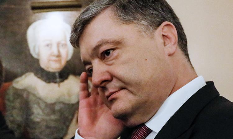 Порошенко наябедничал Пенсу про указ Путина