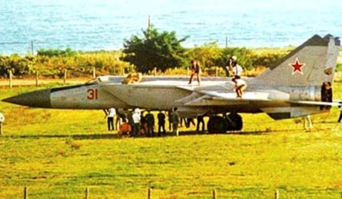 Побег из СССР на истребителе: Как сложилась жизнь летчика-дезертира Виктора Беленко в США