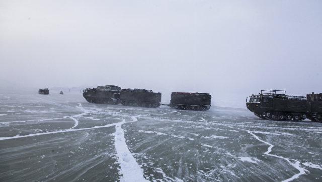 Экспедиция Минобороны первой в мире дошла по льду до острова Котельный
