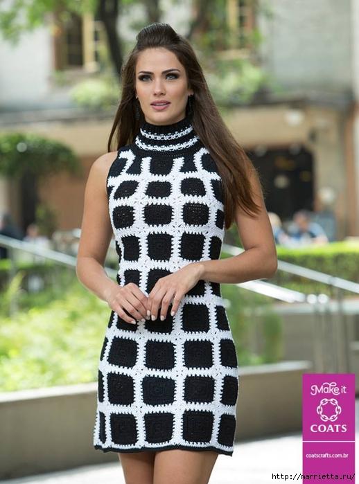 Стильно летнее платье связанное крючком из черных квадратов
