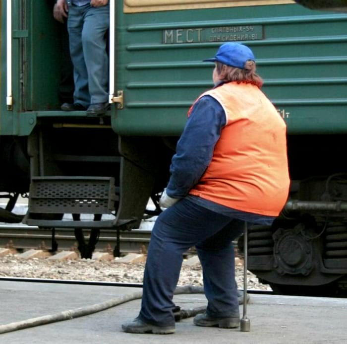 22 уморительных фото о буднях пассажиров и работников железных дорог России