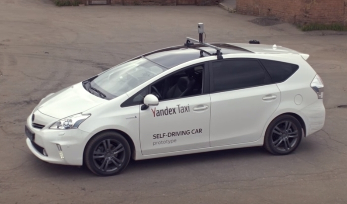 Компания Яндекс выпускает на дороги России такси без водителя