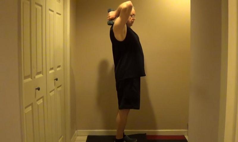 упражнения для рук с резинкой