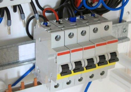 Автоматические выключатели: функции, конструкция, принцип работы, грамотный выбор