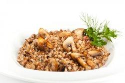 Гречка с грибами - идеальное сочетание для семейного ужина