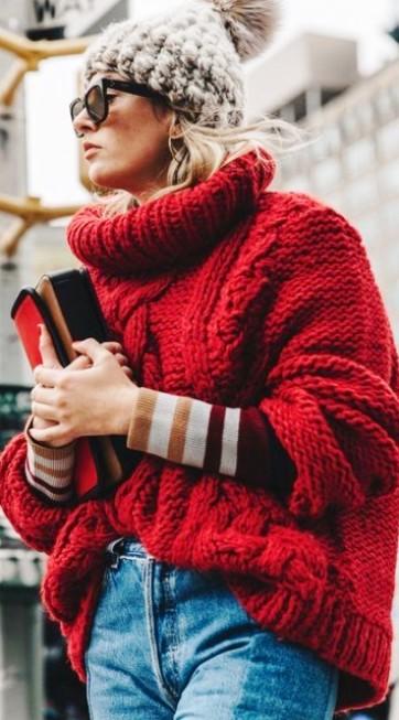 Продолжаем утепляться – еще немного уютных осенних луков со свитерами