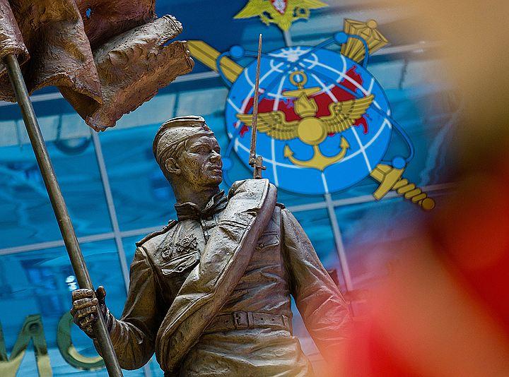Шойгу открыл памятник солдату Победы