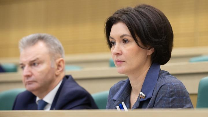 Сенатор встала на защиту семей, указав на беспредел в принуждении к прививкам