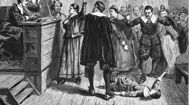 Бриджет Бишоп Знаменитый Салемский суд над ведьмами начался именно с этой женщины. В 1692 году Бриджет владела сразу двумя тавернами, носила провокационные наряды и, как выяснилось позднее, на досуге в самом деле занималась колдовством. При обыске в доме Бриджет обнаружили кукол для порчи, утыканных иглами. Одна изображала недавно умершего мужчину — доказательство, ошеломившее жителей Салема. На суде Бриджет вела себя крайне дерзко, что быстро привело ее к казни. Кровавое зрелище вызывало в обществе приступ массовой истерии — в короткие сроки на костер отправилось еще 70 «ведьм».