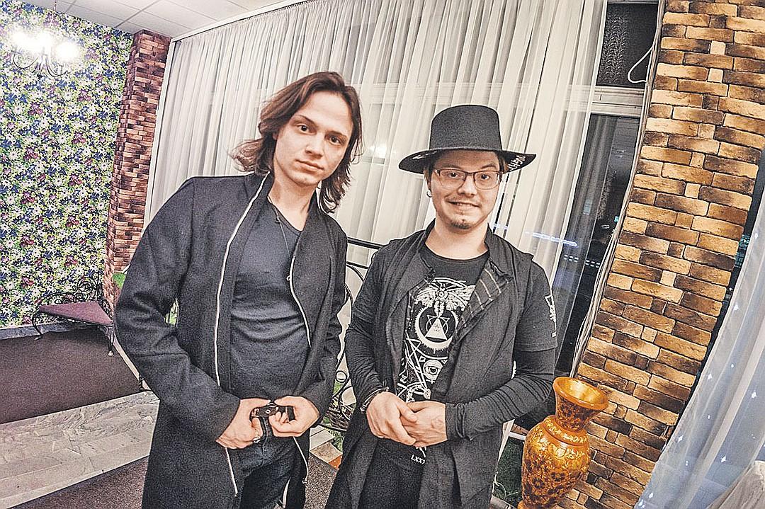 Арсений и Владимир Никара. Фото: bitva-ehkstrasensov.ru