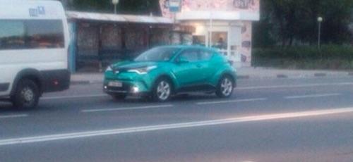 Новый кроссовер Toyota C-HR впервые заметили на дорогах России