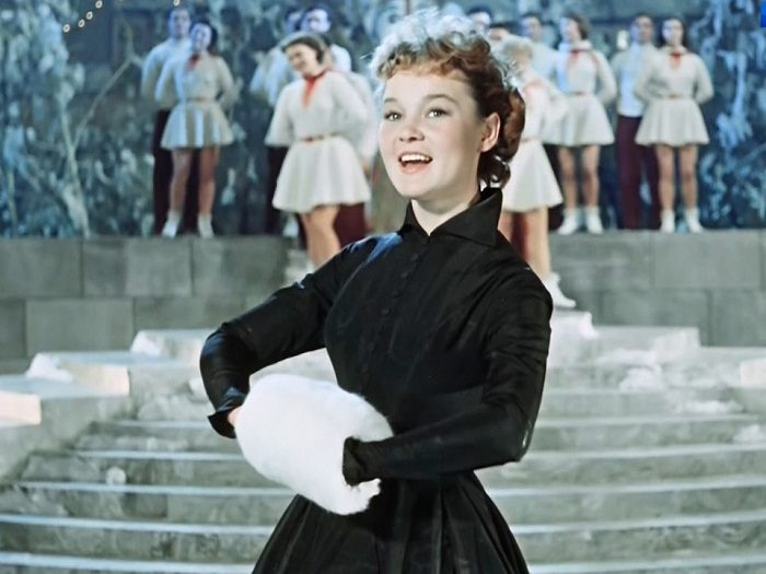 Наряды на все времена — культовые черные платья кинематографа