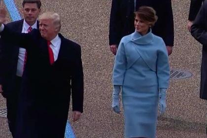 На параде в честь инаугурации Трампа развернули российский флаг