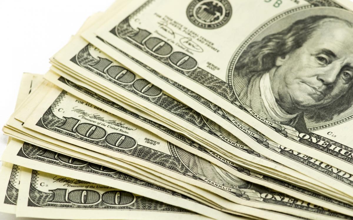 Доллар поднялся до 65 рублей – что повлияло на рост валюты?