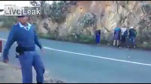 Жестокость полицейских в ЮАР