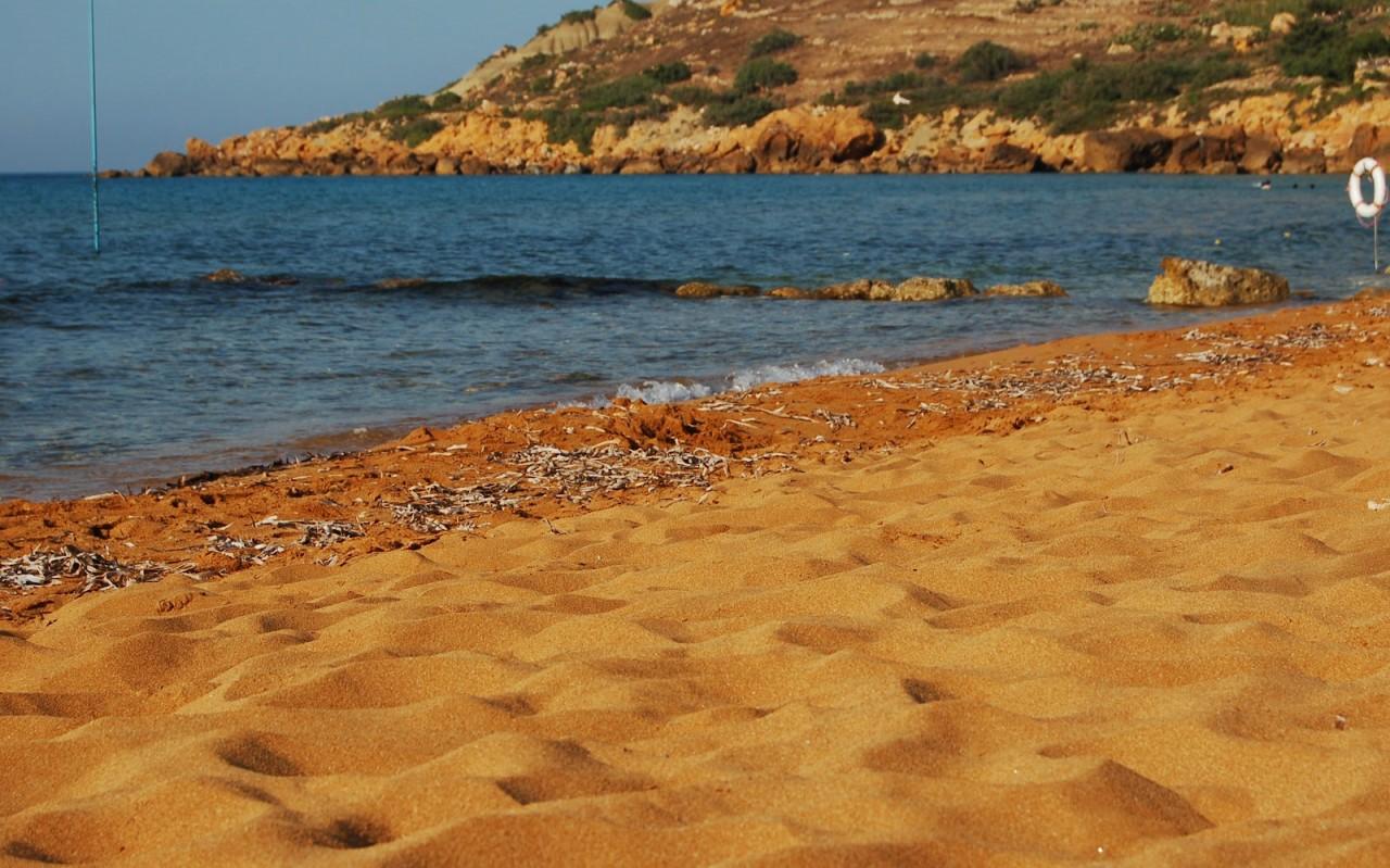 Картинки по запросу Мальта Рамла песок