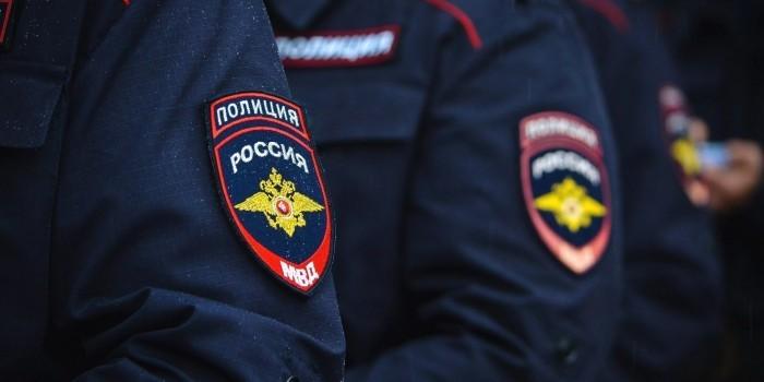 Полиция раскрыла схему незаконного обналичивания денег через салоны связи