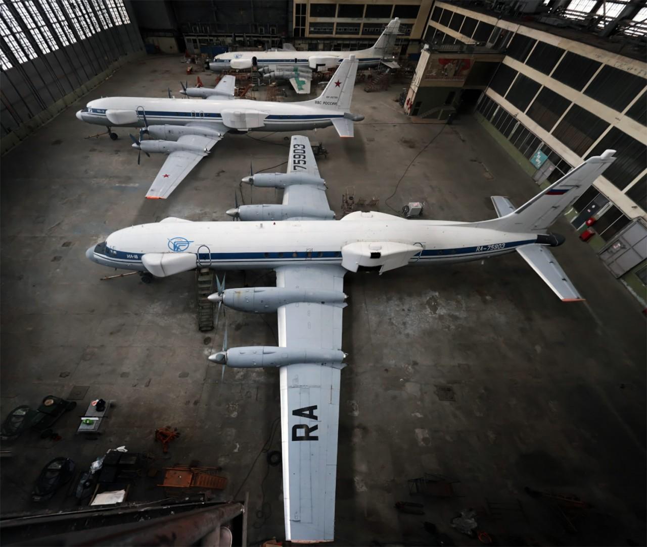 Готовы первые три самолета-постановщика помех и попутной разведки Ил-22ПП «Порубщик»