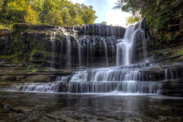 Водопад Камминс США. Каякам здесь не место. Самые причудливые и величественные водопады планеты. Фото с сайта NewPix.ru