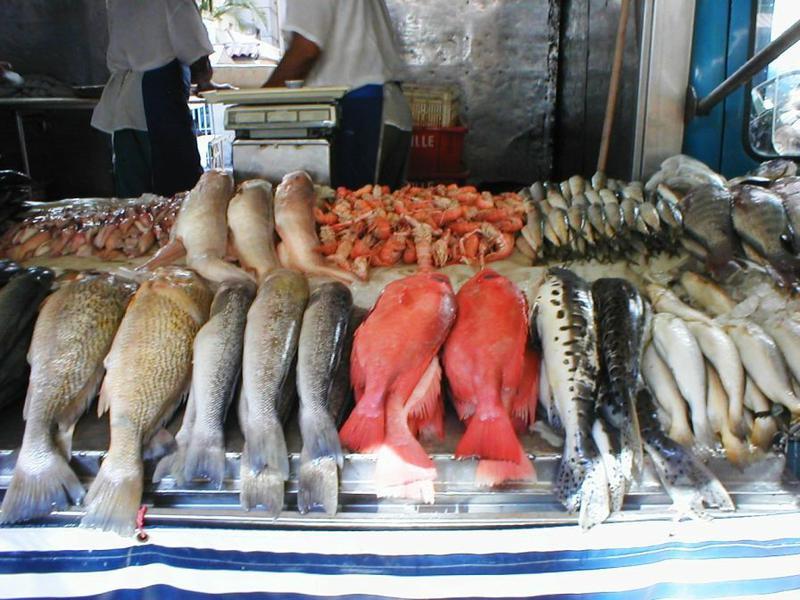 На рыбных прилавках пора навести порядок