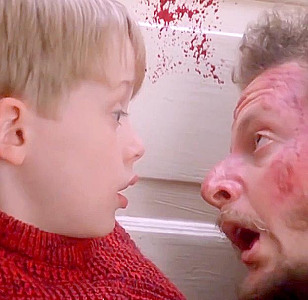 В фильм «Один дома» добавили много крови и посмотрели, что будет