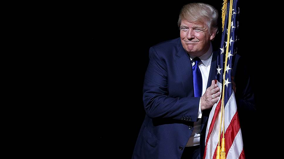 В Вашингтоне мужчина поджег себя в знак протеста против избрания Трампа