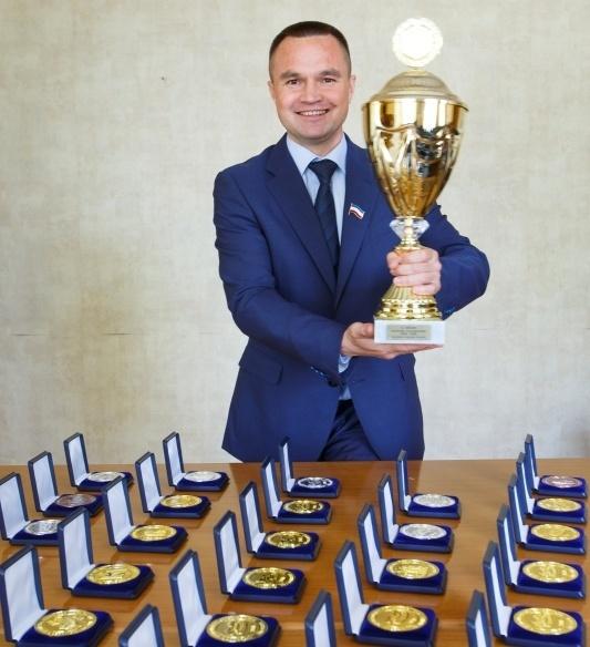 """Совхоз """"Звениговский"""" привез главный приз победителей Международной выставки мясной промышленности"""