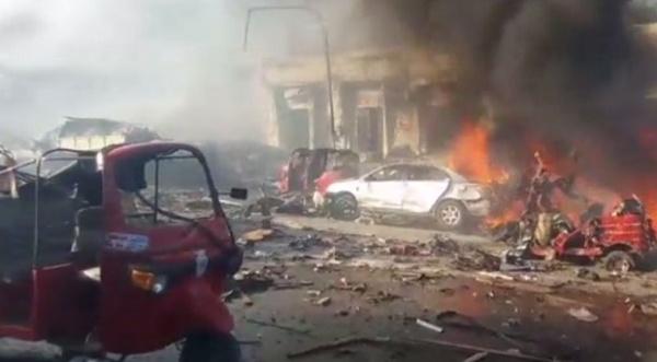 Количество жертв теракта вСомали приближается кдвум сотням человек