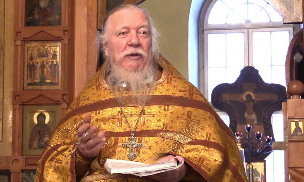 В РПЦ заявили, что пенсионеры должны сами зарабатывать себе на макарошки