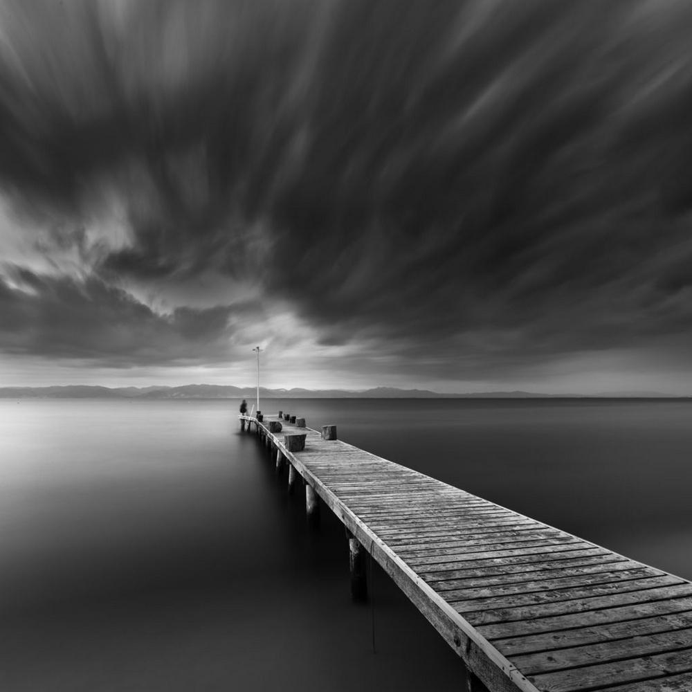 Чёрно-белые пейзажи, уходящие за пределы реальности. Фотограф Джордж Дигалакис 11