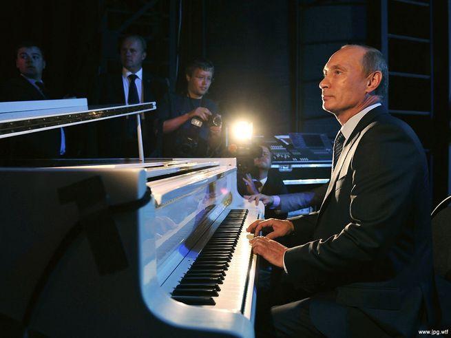 Вы оцените красоту игры Путина...