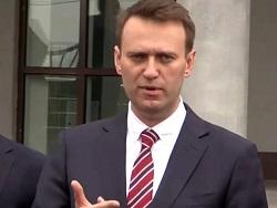 Навальный прекращает согласо…