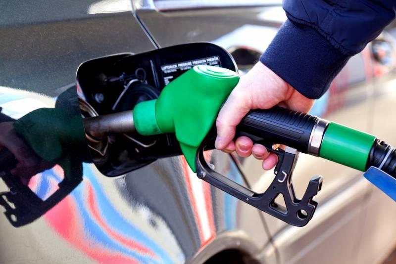 Этого ждали, это случилось: Цены на бензин полезли вверх