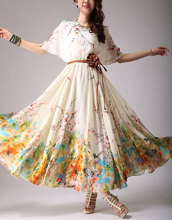 Цветочные принты на летних и вечерних платьях: просто, женственно, эффектно