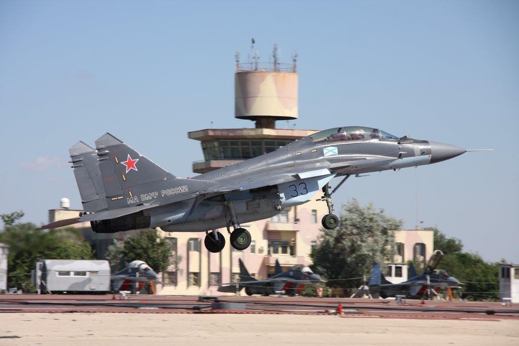 Корабельные истребители МиГ-29КР/КУБР в Саках