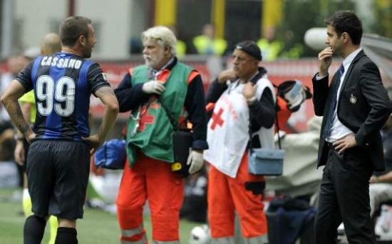 Кассано получил перелом руки на тренировке.