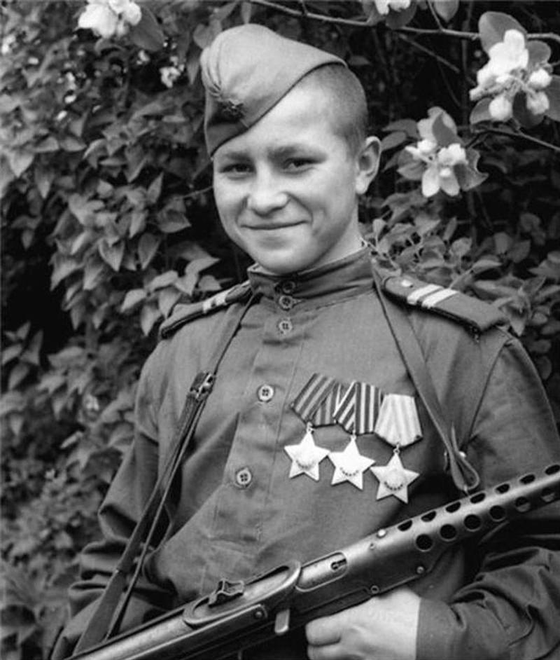 Cамый молодой полный кавалер «Ордена Славы» — Кузнецов Иван Филиппович