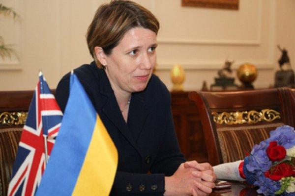 Великобритания не будет поставлять Украине оружие