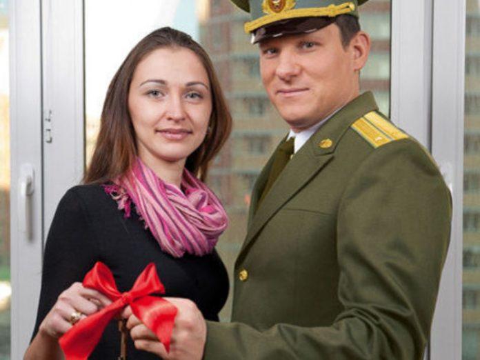Жена военного нашла в чемодане презервативы. То, что придумал находчивый муж стоит прочесть!