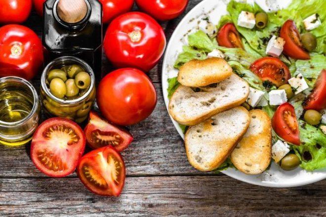Что нельзя делать после еды? 7 «вредных» привычек