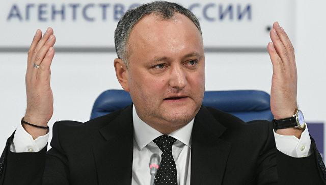 Додон заявил послу США, что не позволит навредить интересам Молдавии