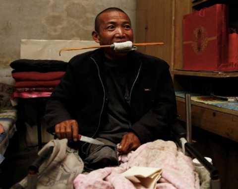 Уставший от боли китаец отпилил себе ногу