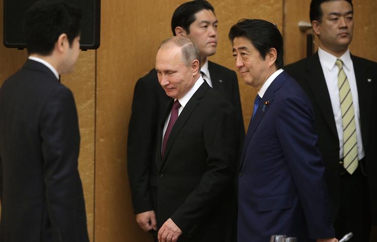 Абэ: мы с Путиным считаем, что у Японии и РФ безграничные возможности развития отношений