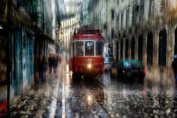 Ты слышишь музыку осеннего дождя?