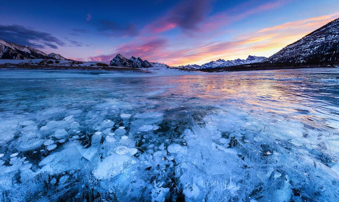 10 самых красивых замерзших озер планеты