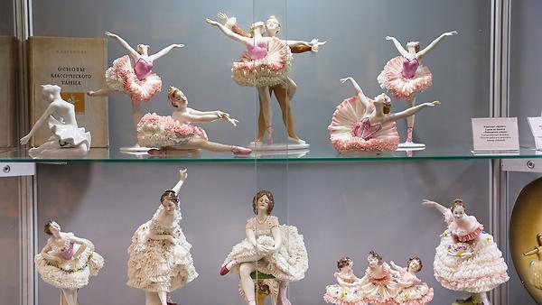 Звезд балета увековечили в фарфоре