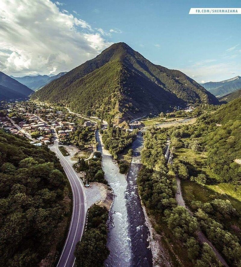 Как выглядит черно-белая река в Грузии, в которой не смешивается вода в мире, вода, интересно, природный феномен, путешествие, река, фото, цвет
