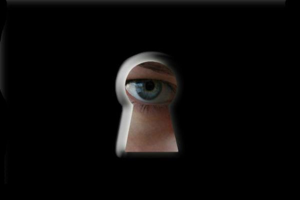 Германия встала на путь борьбы с глобальной слежкой Facebook